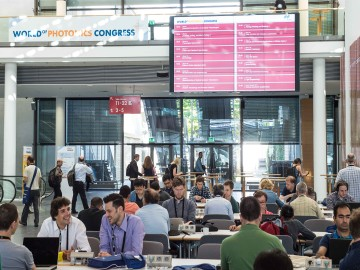 Networking at the foyer of ICM – Internationales Congress Center München